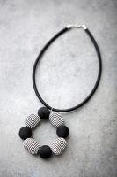 35_5-halsband.jpg
